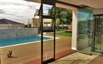 What is the maximum width and height of a glass door?