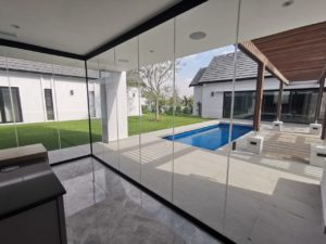 FG Frameless Glass - FG Frameless Glass - FG Frameless Stackaway Glass Systems - Living room - Development