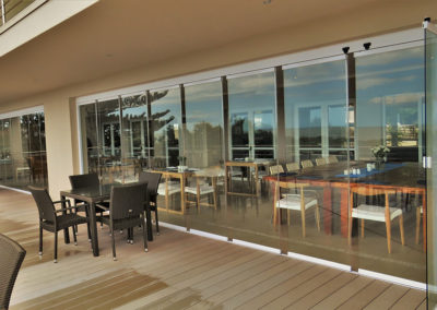 FG Frameless Stackaway Glass Systems - Restaurant - Corporate